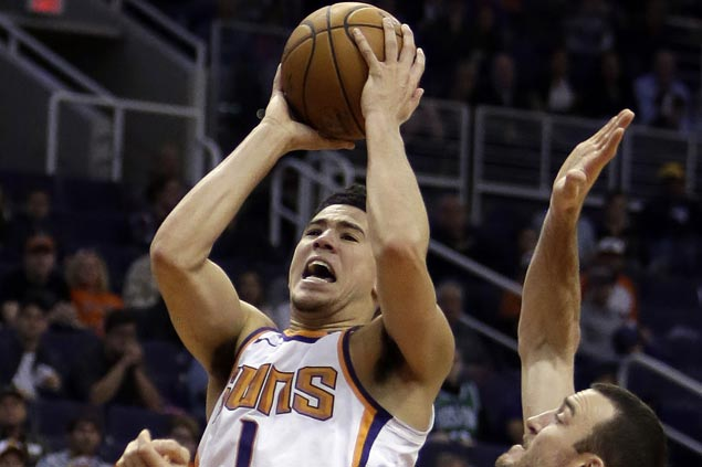 Devin Booker steady from the stripe in the endgame as Suns rally to beat Hawks