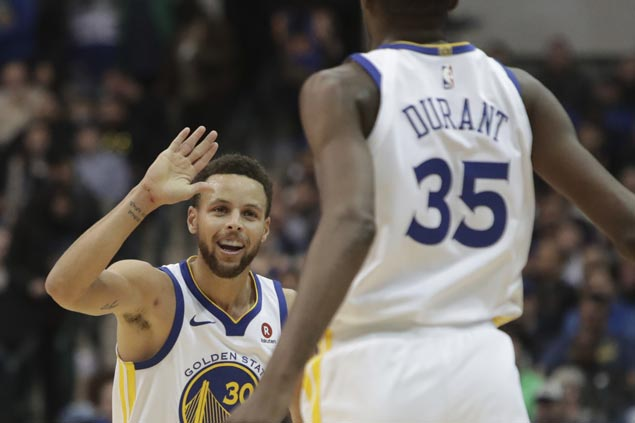 Big Four combine for 100 points as Warriors squeak past Mavericks