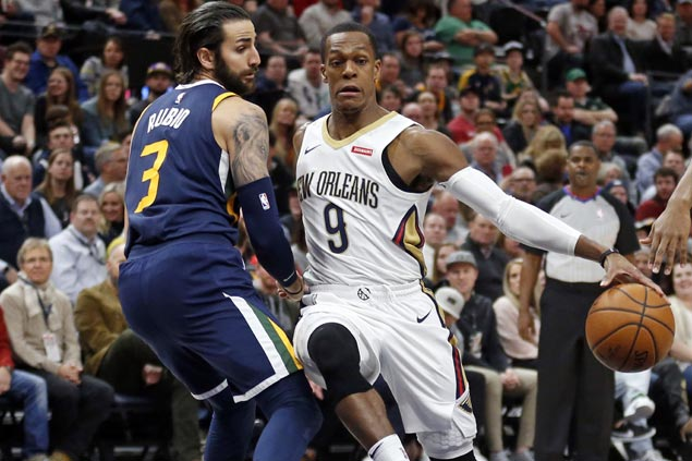 Pelicans hit 14 triples to beat Jazz and arrest two-game slide