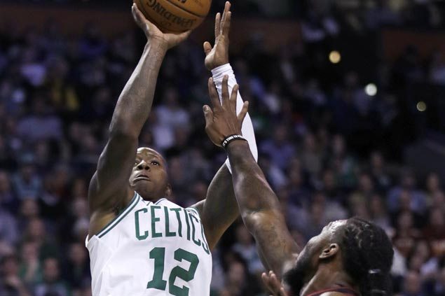 Terry Rozier steals spotlight in LeBron-Irving faceoff, power Celtics to victory over Cavaliers