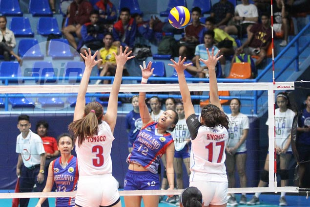 Necole Ebuen stars as Arellano rips EAC to gain early lead in NCAA women's volley
