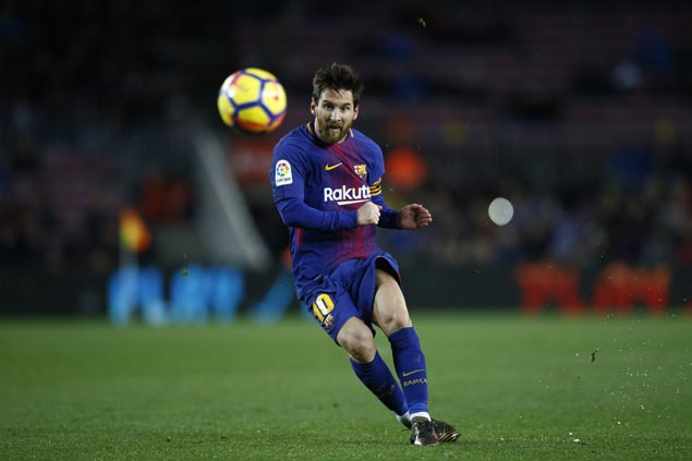 Lionel Messi marks 400th La Liga appearance with goal as Barca rips Levante