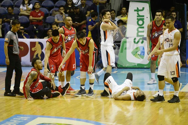 Four years later, Abueva and Dillinger still at it. But this time, mutual respect prevails