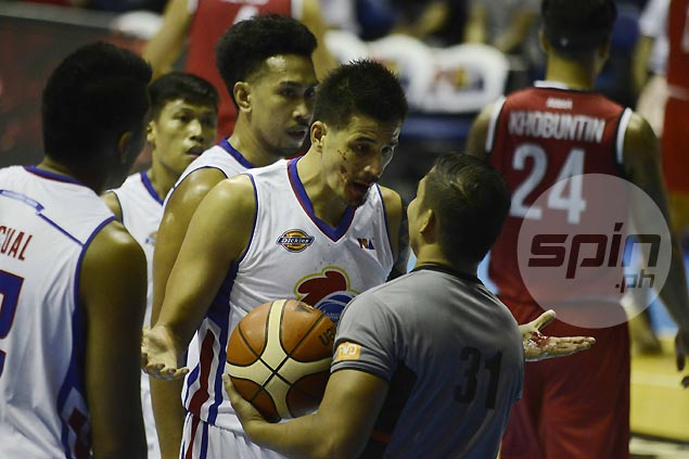 Tough guy Marc Pingris shakes off bloody cut in Magnolia game against KIA