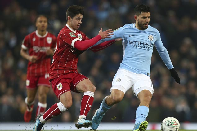 Sergio Aguero scores in stoppage time to lift Man City over Bristol City in League Cup semis opener