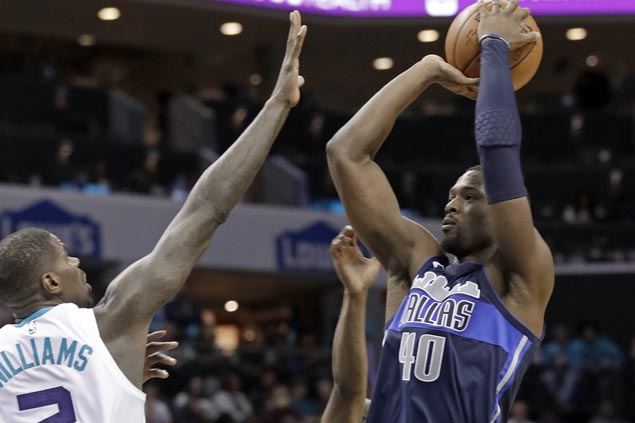 Harrison Barnes takes charge in the fourth as weary Mavs turn back well-rested Hornets