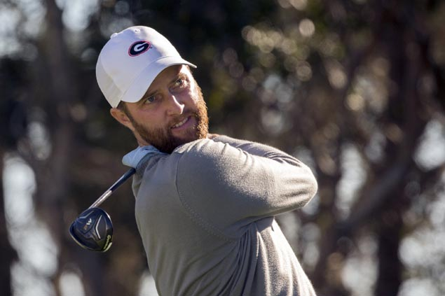 Chris Kirk finishes strong to take lead as Jordan Spieth takes late tumble at Sony Open