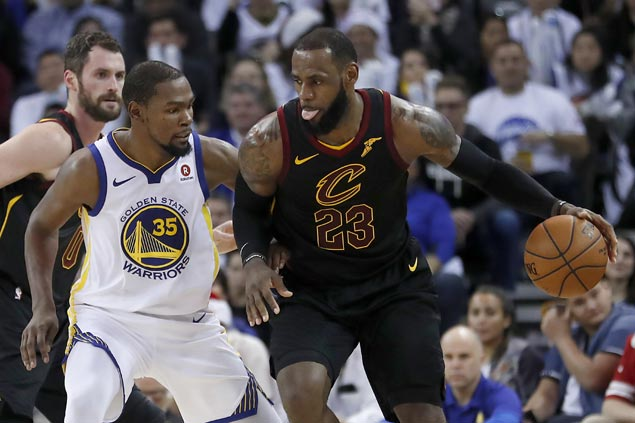 LeBron slams rumor saying he's interested in playing for Warriors as 'nonsense'