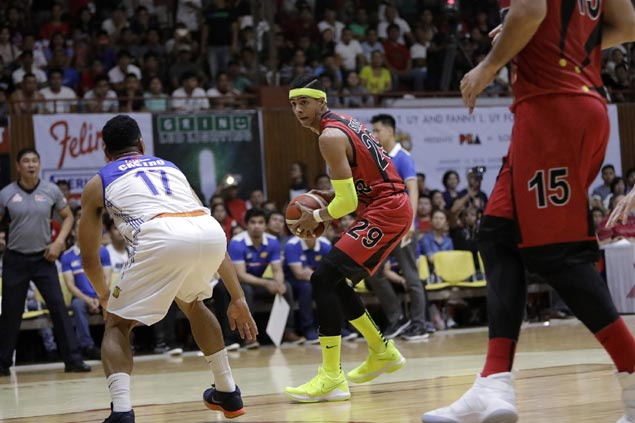 Arwind Santos, Cabagnot clutch hits cap thrilling comeback vs TNT in Iloilo as SMB stays perfect