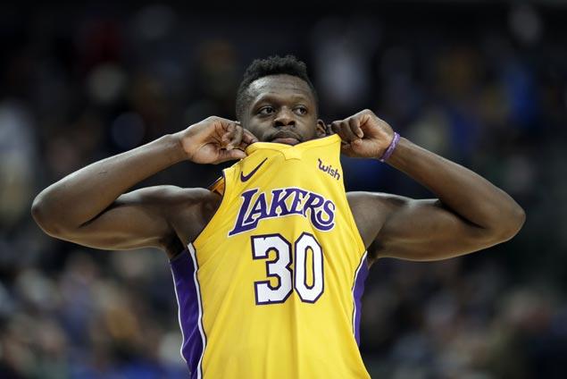 Julius Randle stars as Lakers edge Mavs in OT to extend win streak to season-best four games