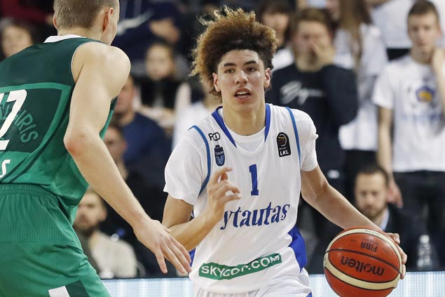 Ball brothers LiAngelo and LaMelo go scoreless in pro debut in Lithuanian league