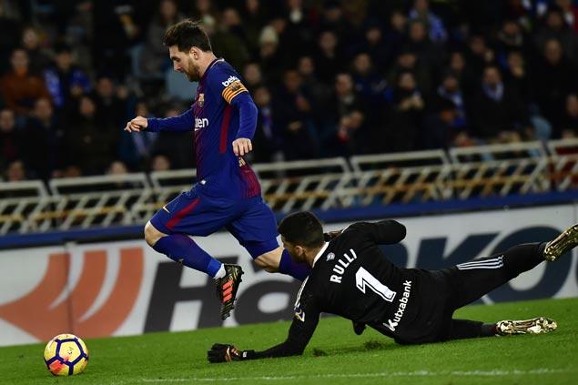 Barca breaks Anoeta hex as Luis Suarez, Lionel Messi fuel comeback win at Sociedad
