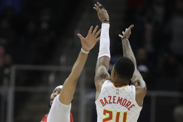 Kent Bazemore jumper caps Hawks fightback from 19 points down to beat Pelicans
