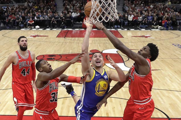 KD takes backseat as Splash Brothers lead Warriors past Bulls for 14th road win in row