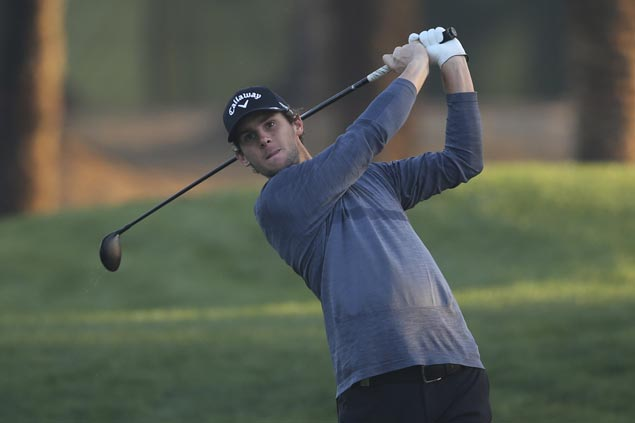 Thomas Pieters holes bunker shot for birdie and lead as Dustin Johnson, Rory McIlroy move into contention