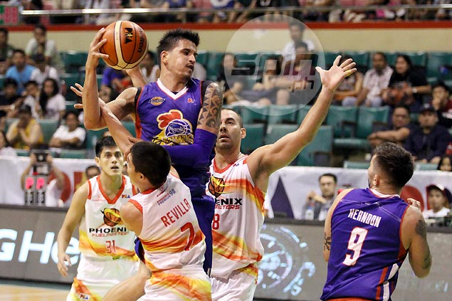 Marc Pingris lauds Rafi Reavis as aging Magnolia duo prove steadying force late in win vs Phoenix
