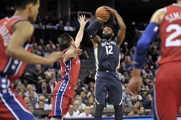 Grizzlies erase double-digit deficit in fourth to end Sixers' win run at three