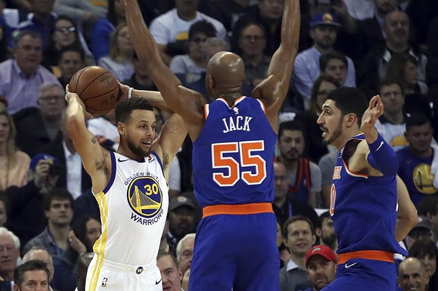 Steph Curry sparks second-half surge and Warriors overcome Knicks despite KD ejection