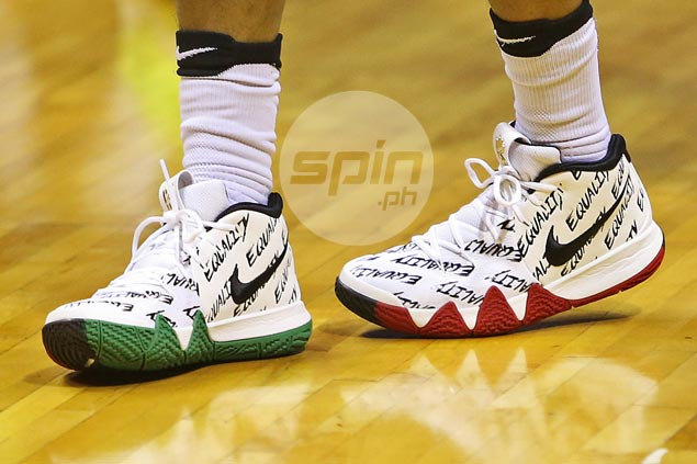Chris Ross plays it coy after wearing 'equality' shoes in wake of spat with Guiao