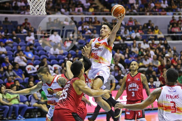 Phoenix survives familiar fightback to send Ginebra reeling to third straight loss