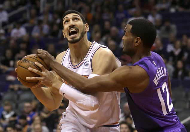 Knicks finish long road trip strong, Enes Kanter stars in rout of Suns