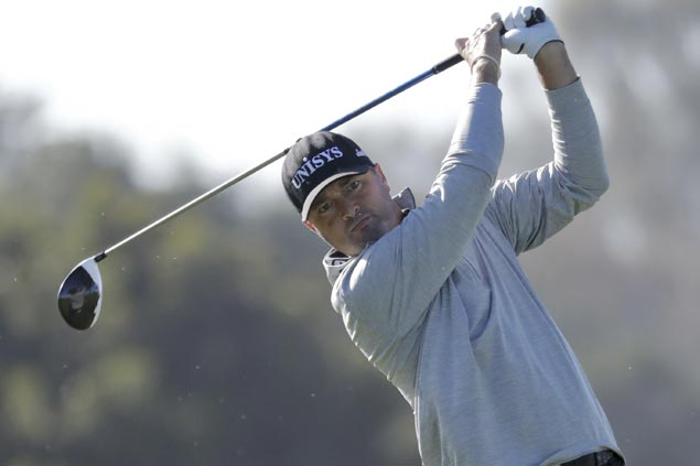 Ryan Palmer makes eagle-birdie finish to grab one-stroke lead over John Rahm