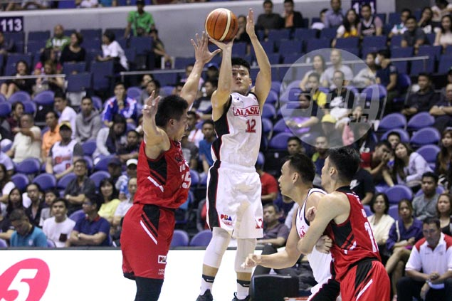 Jeron Teng's dagger trey douses Blackwater rally as Alaska wins fourth in row
