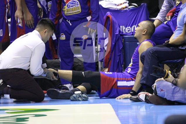 Paul Lee injured yet again, limps off Magnolia game vs TNT KaTropa