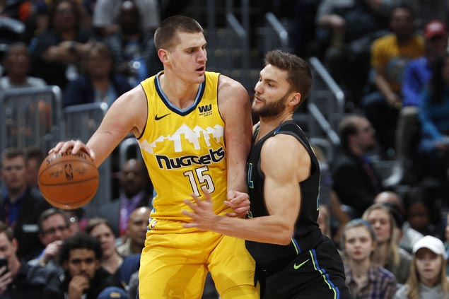 Nikola Jokic posts triple-double as Nuggets get by Mavericks for third straight win