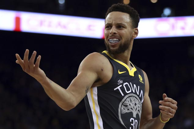 Steph Curry nails go-ahead triple, finishes with 49 points as Warriors nip Celtics