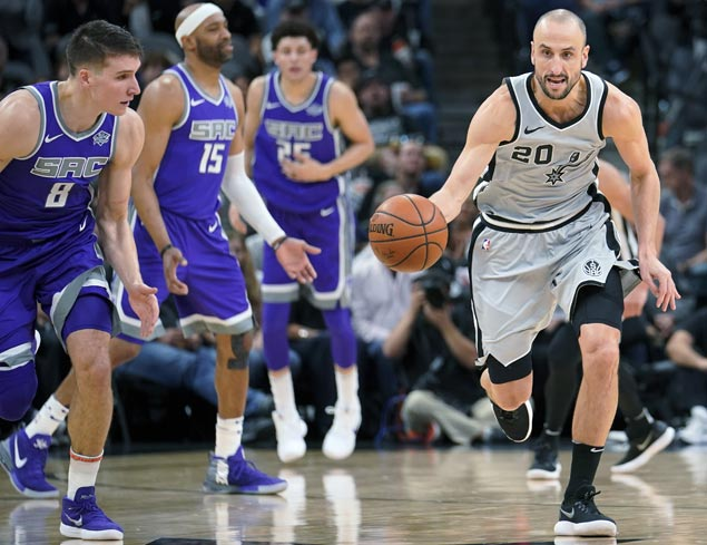 Spurs recover from sluggish second quarter to get by Kings