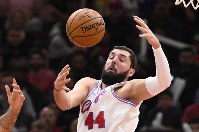 Pelicans make move after losing Boogie to injury, get Mirotic from Bulls for three players and pick