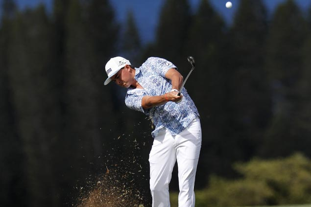 Rickie Fowler shares Phoenix Open lead with Bryson DeChambeau