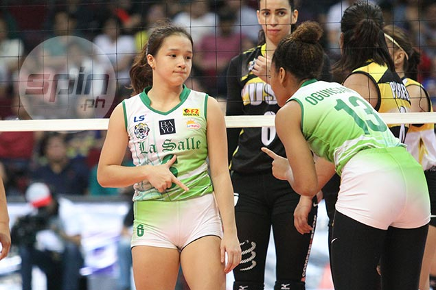 La Salle setter Michelle Cobb earns passing grade in debut from coach Ramil de Jesus