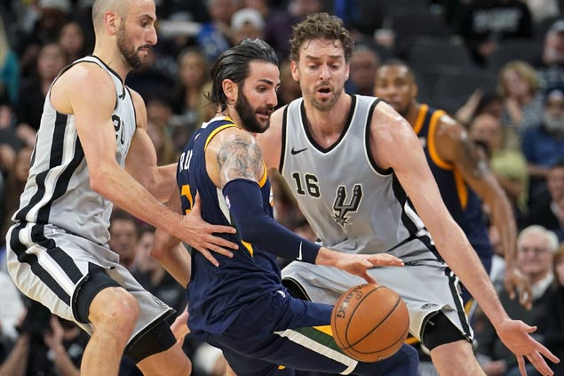 Ricky Rubio scores season-high 34 as Jazz beat Spurs for fifth straight win