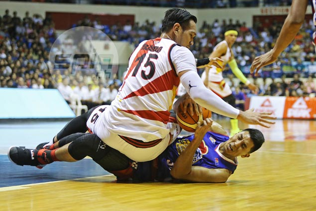 Lanete comes up clutch as San Miguel frustrates Magnolia to regain top spot