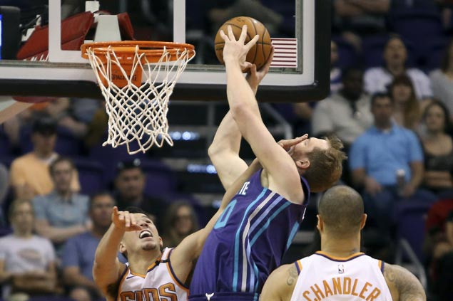 Charlotte bench takes over in fourth as Hornets erase 21-point deficit to beat Suns