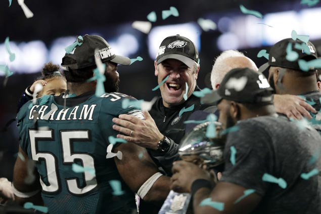 Eagles soar past Patriots in record-setting Super Bowl LII shootout