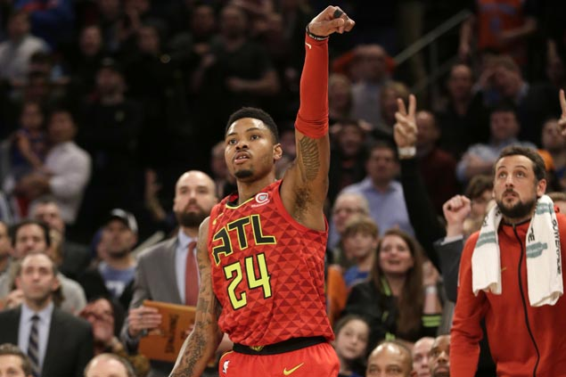 Kent Bazemore hits triple in dying moments to lift Hawks over Knicks