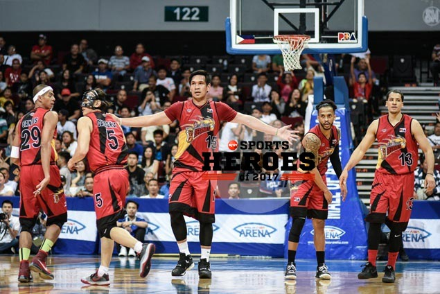<em>SPIN.ph</em>&nbsp;Top 10 Sports Heroes of 2017: San Miguel Beermen, the people's champ