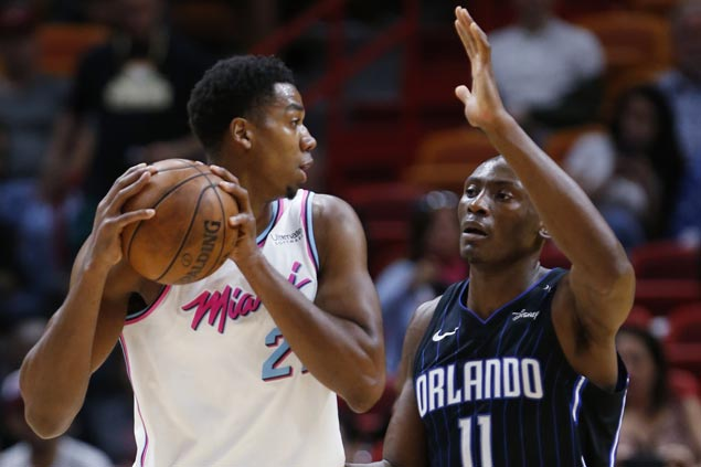 Video review overturns goaltending call on Biyombo and Magic hold on to win over Heat