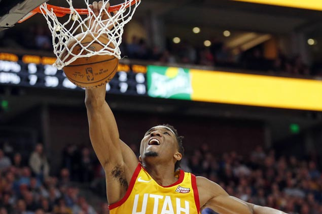 Donovan Mitchell puts on a dunk show as Jazz down Hornets for eighth straight win