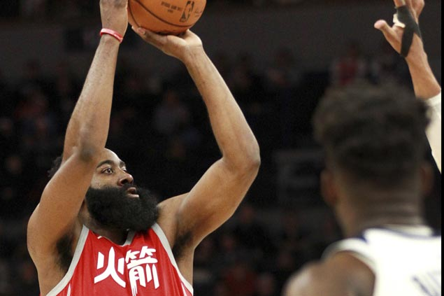 Rockets fire 22 triples, 10 in fourth, extend win run to nine with rout of Wolves