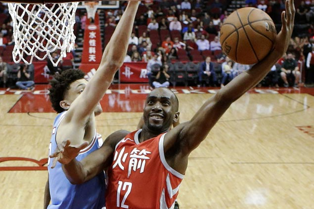 Rockets overcome late Kings rally to stretch win streak to 10