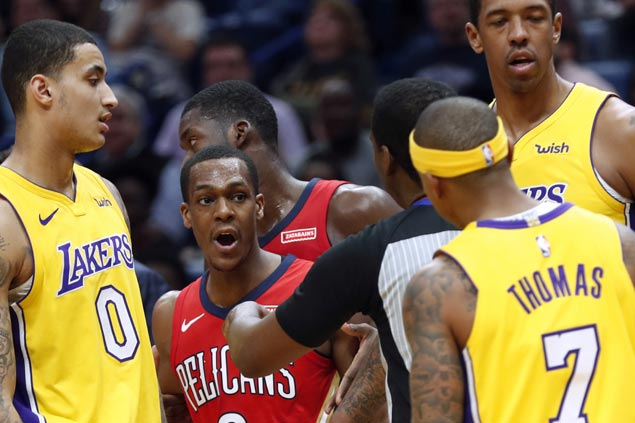 AD scores 42 and Pelicans rout Lakers as Luke Walton, Isaiah Thomas get tossed early