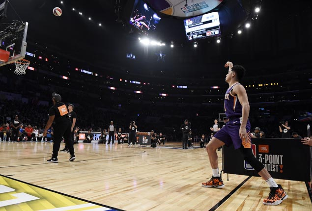 Devin Booker eclipses Splash Brothers' mark with new 3-point contest record of 28