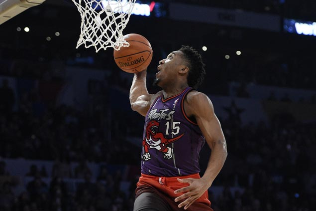Rookie Donovan Mitchell gives nod to Vince Carter and gets nod for slam dunk title