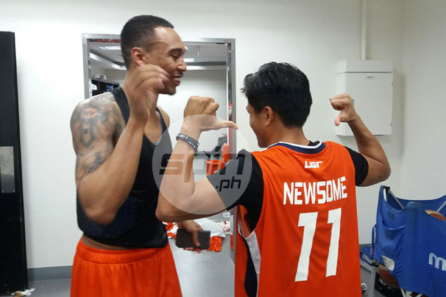 Chris Newsome grateful to have a world champ for a fan in Jerwin Ancajas