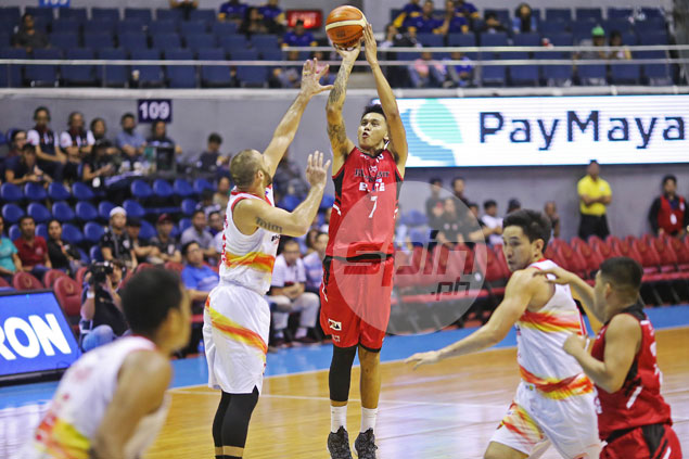 Blackwater beats Phoenix to stay in playoff hunt. Now all it can do is hope - and pray