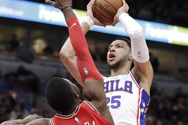 Simmons wins it at the stripe as Sixers edge Bulls to extend streak to six